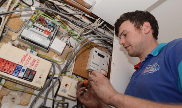 Qualified Electricians For Electrical Repairs Rewiring
